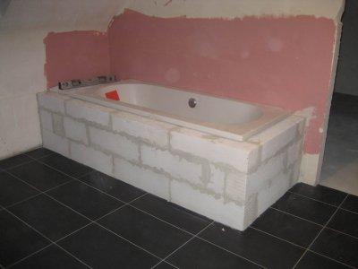 la baignoire construction de notre maison. Black Bedroom Furniture Sets. Home Design Ideas
