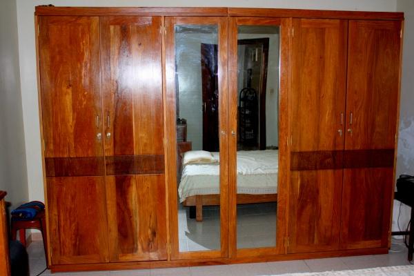 armoire 6 battants en bois dimb blog de q7design. Black Bedroom Furniture Sets. Home Design Ideas